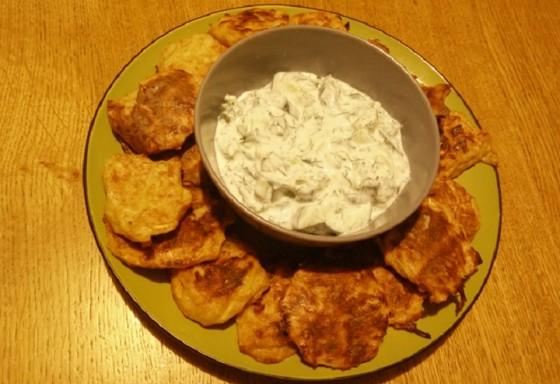 לביבות תפוחי אדמה אפויות בליווי ציזיקי